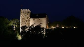 Schloss Habsburg erhielt 2005 eine neue Aussenbeleuchtung – den Vorgaben im kantonalen Umweltrecht entspricht diese aber nicht.