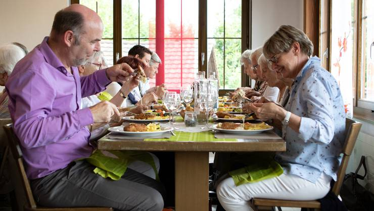 Die Senioren der Pfarrei Bruder Klaus beim Mittagessen im Restaurant Alpenblick auf dem Passwang.