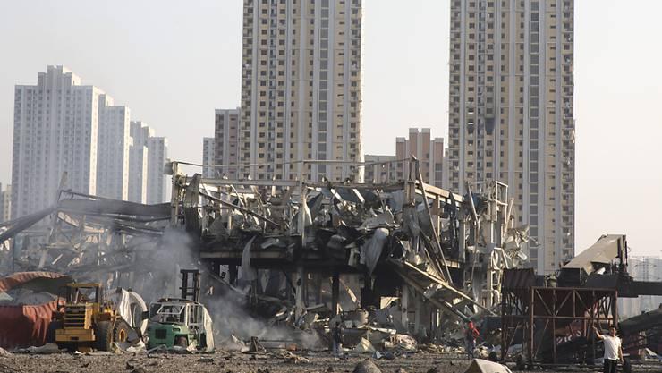 Die Zerstörungen nach den Explosionen in der chinesischen Hafenstadt Tianjin sind enorm. Jetzt haben die Behörden offenbar zwölf Personen einer Logistikfirma festgenommen. (Archivbild)