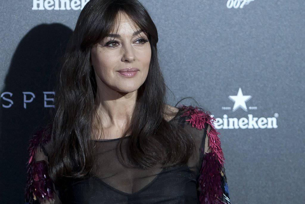 Die Schauspielerin Monica Bellucci, zur Zeit in aller Munde wegen dem neuen Bond-Film, gilt als klassische Schönheit, auch wenn sie ihre Jugend schon länger hinter sich hat. (AP Photo/Abraham Caro Marin/KEYSTONE)