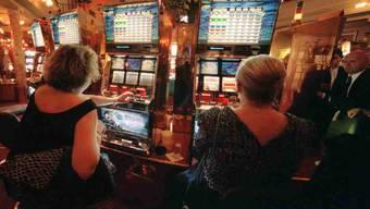 Deutsche Spielhallen am Hochrhein haben bis zu 80 Prozent Schweizer Kunden. (Symbolbild)