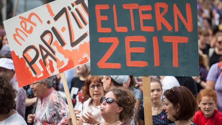 Demonstrierende am Frauenstreik 2019 in St. Gallen.