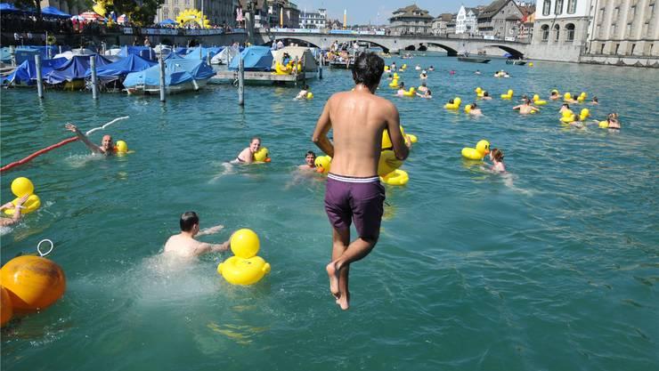 Das Postulat verlangte eine Lockerung des Badeverbots auf der Strecke des jährlichen Limmatschwimmens oder auch nur auf einem Teilstück davon.