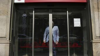 Die italienische Krisenbank Monte dei Paschi di Siena ist nun de facto in staatlicher Hand. Hintergrund ist eine Kapitalspritze in Höhe von 3,85 Milliarden Euro, die bereits in der vergangenen Woche aus der Staatskasse geflossen war. (Archivbild)