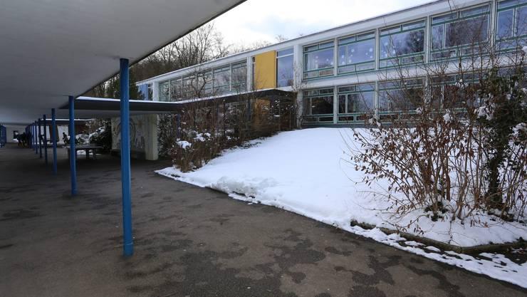 Auch im Oltner Schulhaus Bannfeld war der Verdächtige als Lehrer tätig.