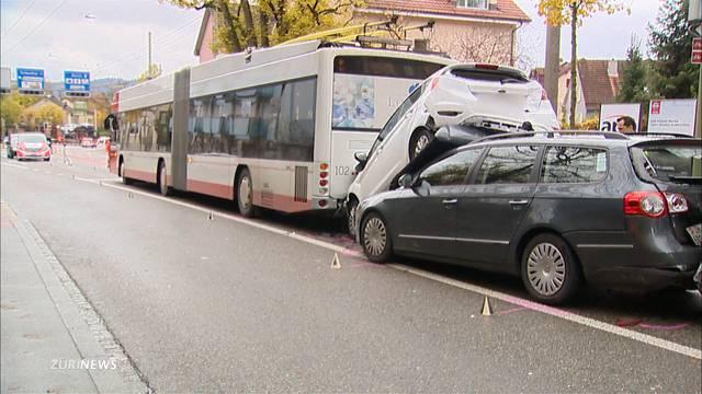 Unfall mit vier Fahrzeugen