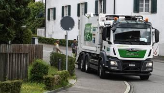 Die Kelsag sammelt den Kehricht in der Region – hier in Dornach – im Normalfall in Elektro-Fahrzeugen ein.
