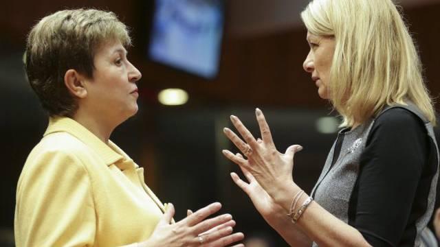 Budget-Kommissarin Kristalina Georgiewa (l.) mit Lenita Toivakka