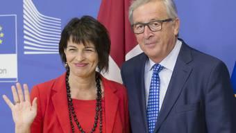Bundespräsidentin Doris Leuthard und EU-Kommissions-Chef Jean-Claude Juncker zeigten sich bestrebt, im Verhältnis Schweiz - EU eine neue Seite aufzuschlagen.