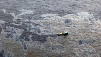 Ausgelaufenes Öl vor der Küste des Bundesstaates Rio de Janeiro (Archiv)