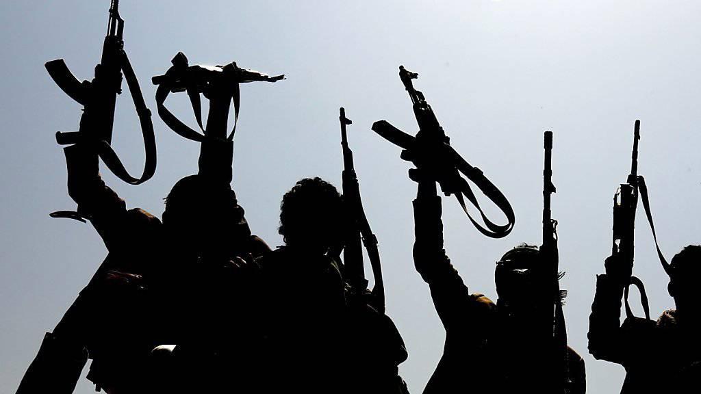 Huthi-loyale jemenitische Kämpfer in der Hauptstadt Sanaa.