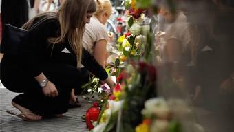 Vor dem Olympia-Einkaufszentrum: München trauert.