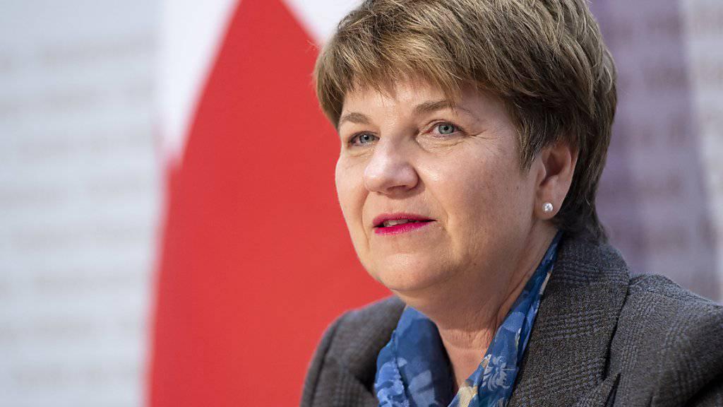 Die neue Verteidigungsministerin Viola Amherd legt ihr erstes Rüstungsprogramm vor. Die Armee soll neue Aufklärungssysteme und Minenwerfer bekommen. (Archivbild)