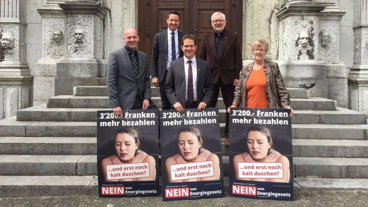 Sie kämpfen im Nein-Komitee gegen das Energiegesetz (v.l.): FDP-Kantonsrat Markus Spielmann, SVP-Nationalrat Christian Imark, SVP-Kantonsrat Christian Werner, FDP-Kantonsrat Mark Winkler und FDP-Kantonsrätin Johanna Bartholdi.