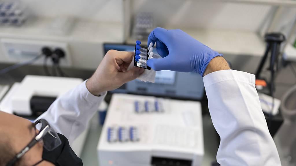 Schweizer Forscher entdecken neuen Antikörper gegen Coronavirus