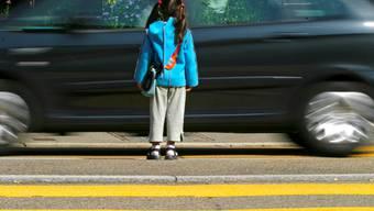 Während des Schulbaus ist von allen Verkehrsteilnehmern erhöhte Aufmerksamkeit gefordert. son