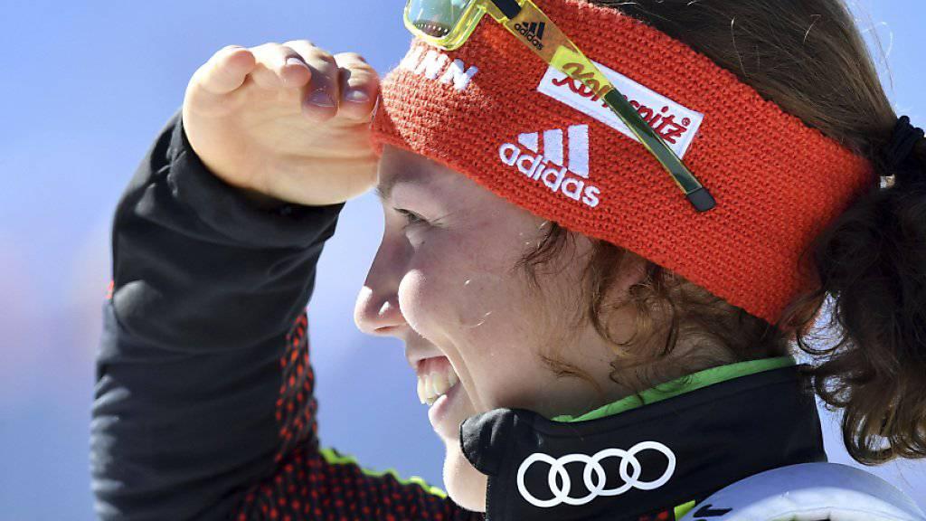 Laura Dahlmeier hält nach ihren Gegnerinnen Ausschau