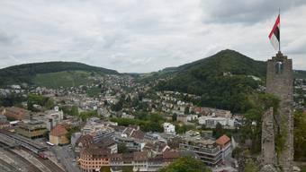Die Badener Fahne auf der Ruine Stein - ist die Stadt bereit, eine Regionalstadt zu werden?