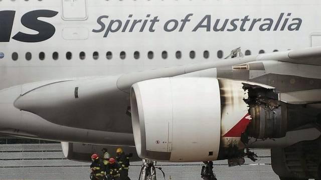 Beschädigtes linkes Triebwerk des A380 der Qantas