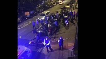 In London sind fünf Menschen bei Attacken mit Säure schwer verletzt worden.  Das Bild zeigt einen der Tatorte in London. Laut der Polizei besteht ein Zusammenhang zwischen den fünf Angriffen.