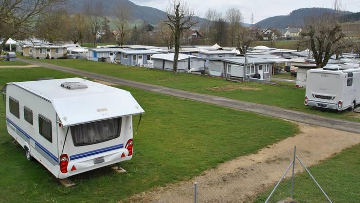 Einige wenige Gäste sind am Donnerstagmorgen schon auf dem Fricker Campingplatz angekommen. Sie wollen Ostern hier verbringen.