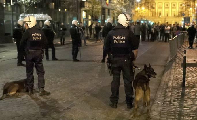 Vor dem türkischen Konsulat in Brüssel sind bei Zusammenstössen...