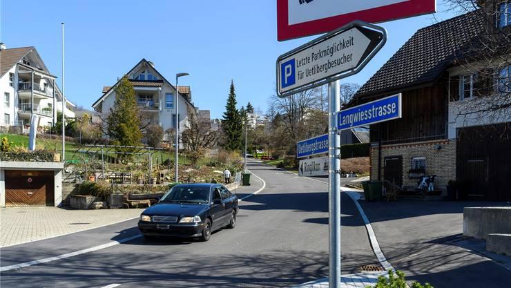 Das strenge Fahrverbot auf den Üetliberg gilt ab dem Schulinternat – bis dorthin ist Zubringerdienst erlaubt.