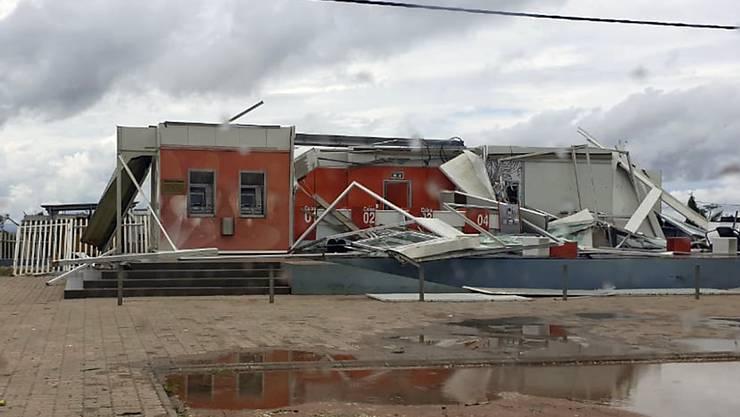 """Der neuerliche Sturm """"Kenneth"""" hat in Mosambik Tote, Verletzte und hohe Sachschäden verursacht. Die Schweiz hat deshalb ihre Hilfe in dem Land, das ein Schwerpunktland der Entwicklungszusammenarbeit bildet, ausgeweitet. (Neidi de Car valho/UNICEF via AP)"""