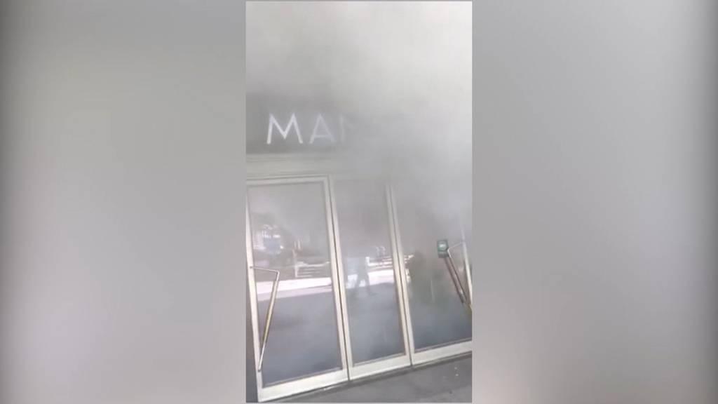 Dichte Rauchschwaden im Manor Langenthal