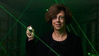 Die Physikerin Ursula Keller hat die Lasertechnologie revolutioniert. Dafür hat das Europäische Patentamt die ETH-Professorin mit dem Europäischen Erfinderpreis für ihr Lebenswerk geehrt. (Archivbild)