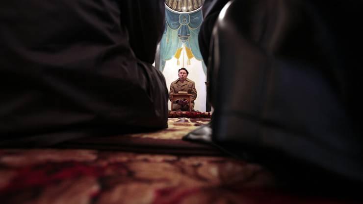 Auf der Website wirbt Imam Dragusha für das pädagogische Angebot der Moschee. (Symbolbild)