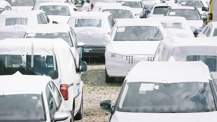 Zum ersten Mal seit vier Monaten wurden wieder mehr Autos gekauft. (Symbolbild)