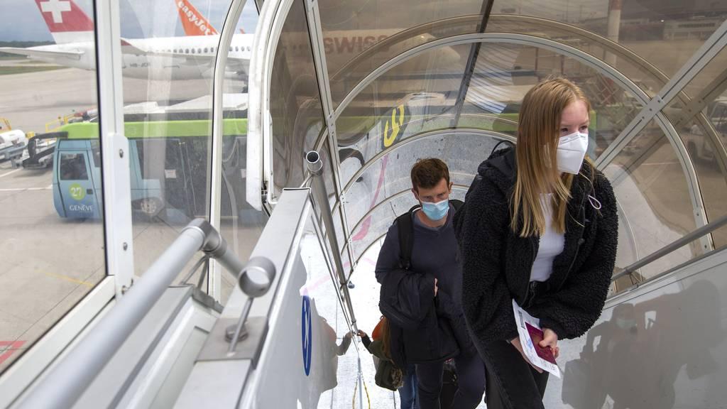 Bundesrat weitet Maskentragpflicht auf Flugzeuge aus