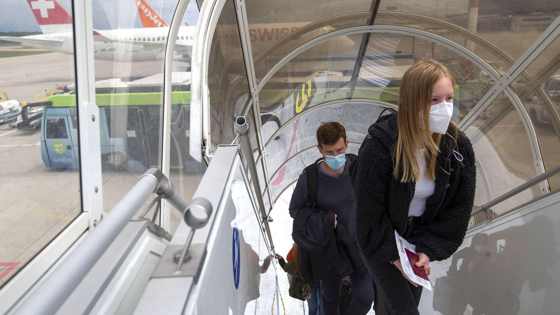 Seit Juli müssen Swiss-Passagiere eine Maske tragen.
