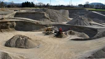 Im Gebiet Untere Rütenen (Foto) betreibt der Baustoffhersteller Holcim bereits eine Kiesgrube. Das Vorhaben, eine zweite Kiesgrube im Grossgrüt zu betreiben, lehnten die Stimmbürger ab.