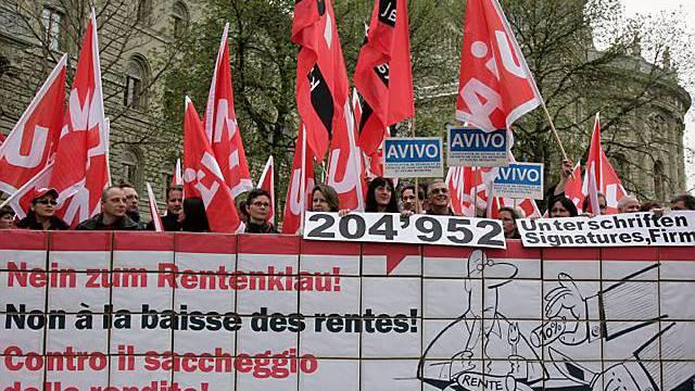 Gewerkschaftsverteter vor Bundeshaus