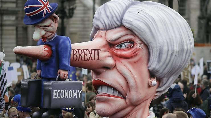 Tausende Brexit-Gegner gingen am Samstag in London auf die Strasse.