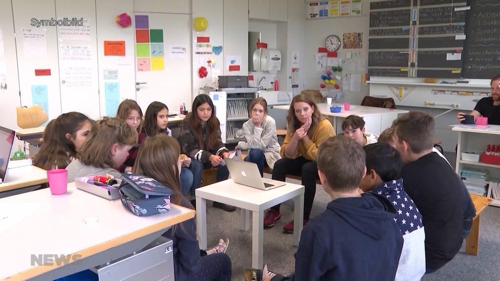 «base4kids 2»: Lehrer und Schüler kämpfen noch immer mit Problemen