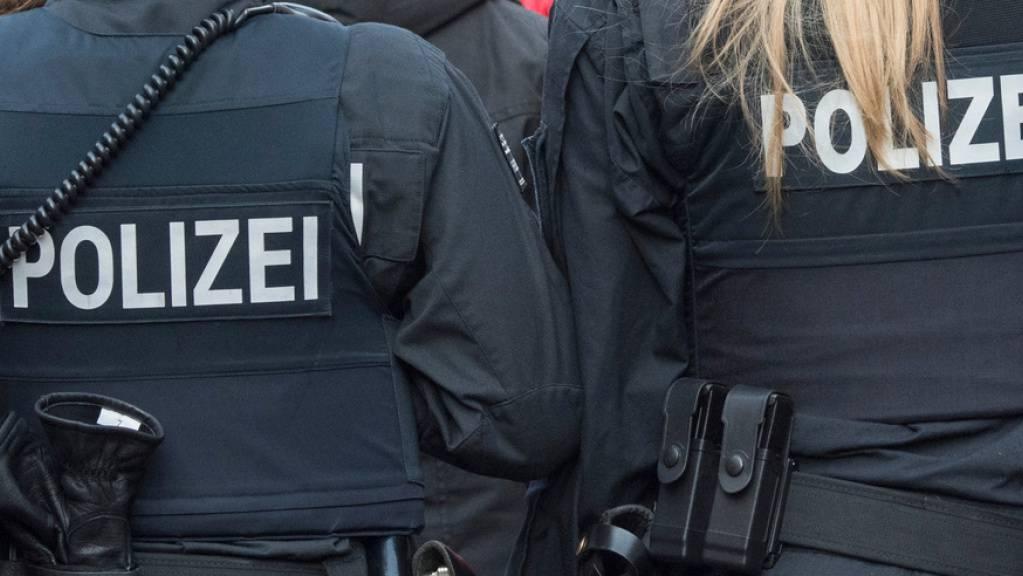 Die Polizei war mit einem Grossaufgebot vor Ort. (Symbolbild)