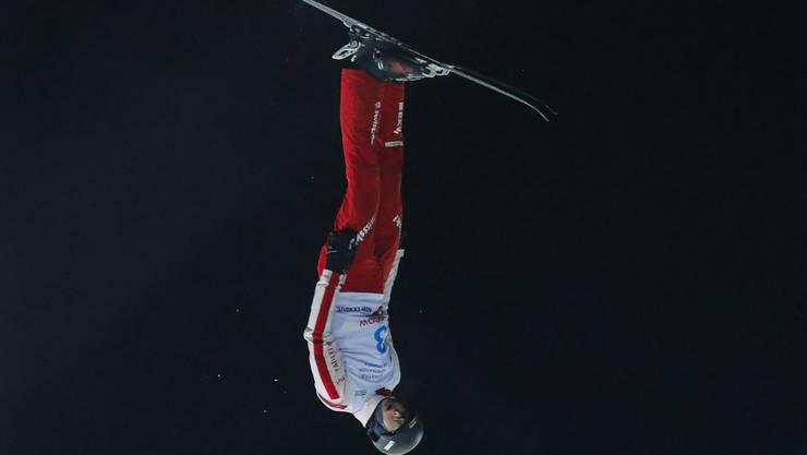 Noé Roth fliegt beim Skiing World Cup in Moskau durch die Lüfte.