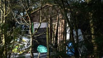 In diesem Häuschen passierte das tragische Unglück: Sechs junge Personen erstickten nachts an den Abgasen eines Benzin-betriebenen Generators. Nun wurde Anklage erhoben gegen den Besitzer der Hütte. (Archiv)