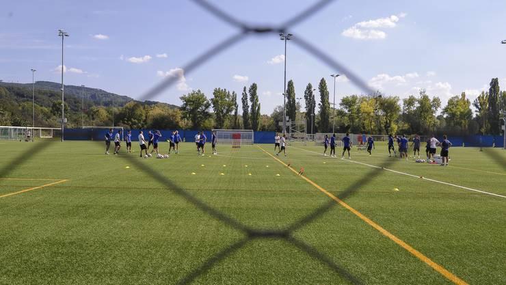 Unter Ausschluss der Öffentlichkeit trainierte der FCB am Freitag auf dem Kunstrasen beim Campus.