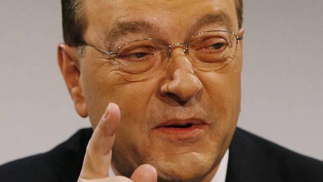 Warnt vor einem massivem Arbeitsplatzverlust bei den Banken: UBS-Chef Grübel (Archiv)