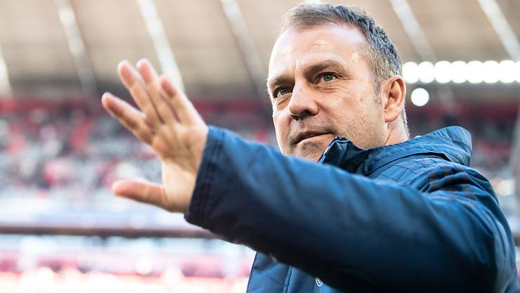 Nach der Zwangspause durch das Coronavirus nimmt der deutsche Fussball-Rekordmeister Bayern München das Training in Kleingruppen unter der Leitung von Coach Hansi Flick wieder auf. Andere Bundesliga-Clubs hatten diesen Schritt bereits letzten Woche unternommen. (Archivbild)