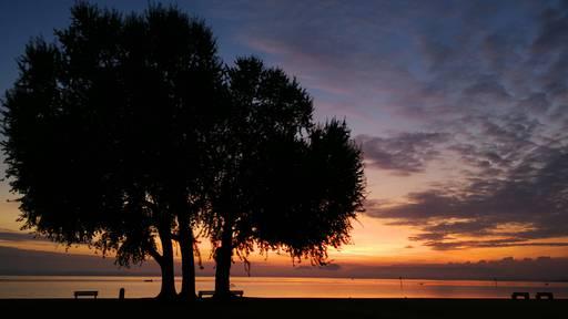 Ein schönes Morgenrot läutet den Dienstag ein
