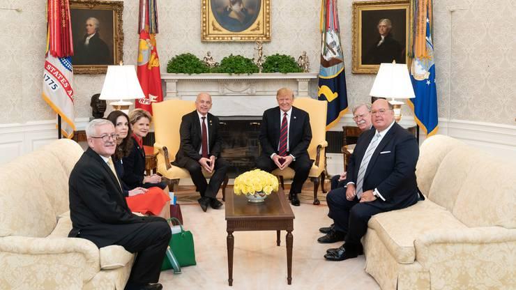 Bei seinem Besuch in Washington traf Bundesrat Ueli Maurer 2019 auf US-Präsident Donald Trump und seinen damaligen Nationalen Sicherheitsberater John Bolton.