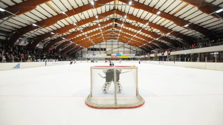 Die «Red Lions Reinach» wollen in der nächsten Saison in der ersten Liga spielen. Bild: die Kunsteisbahn Oberwynental, in der die «Red Lions Reinach» ihre Heimspiele austragen.