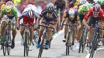 Der Deutsche John Degenkolb (Mitte) verpasst bei der Sprintankunft in Castellon erneut seinen zehnten Etappensieg bei der Vuelta