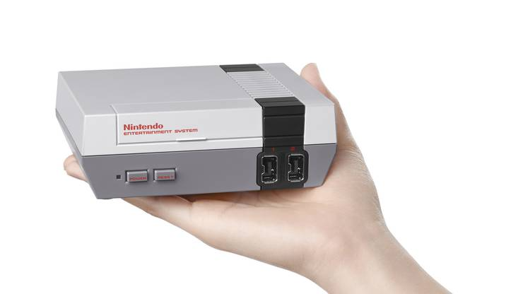 1986: Die Nintendo NES Spielkonsole brachte Mario und Zelda erstmals zu den Kids der 80er Jahre nach Hause. Veröffentlicht wurde die NES zusammen mit 18 Spielen.