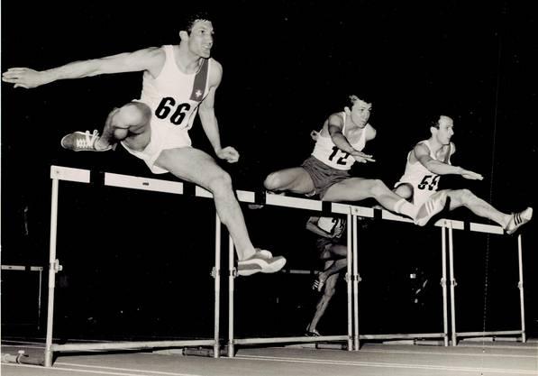 Daniel Riedo (Nummer 66) am Länderkampf Schweiz gegen Polen in Zürich 1968. Wegen Bürstenschuhen wurde seine Rekordzeit nicht homologiert.
